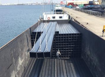 アメリカ向け、40F角パイプ海上輸送