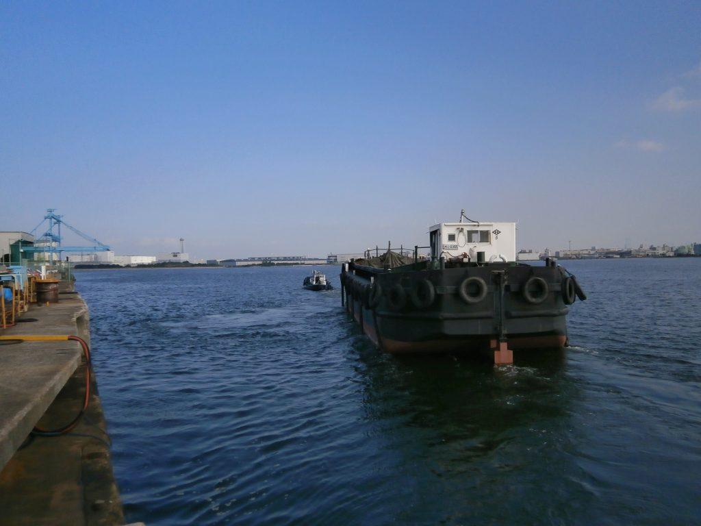大阪の基地に向かい出航